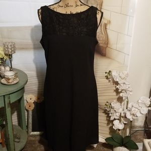 Jones Wear Black Top Laced Dress Size 16P in EUC